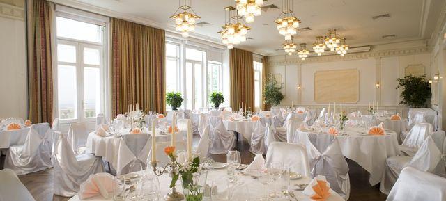Austria Trend Hotel Schloss Wilhelminenberg Wien - Top Hochzeits-Location Österreich #hochzeit #feiern #location #event #einzigartig #weiß #schwarz #heirat #österreich #special #wedding #unique #stunning #garden #love #hochzeitsfeier #wien