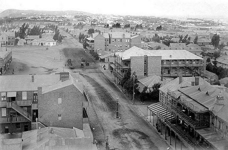 Another picture of Johannesburg taken around 1900. It could be of Market Street because to the left is the market square, believed to be the biggest of its kind anywhere in South Africa.
