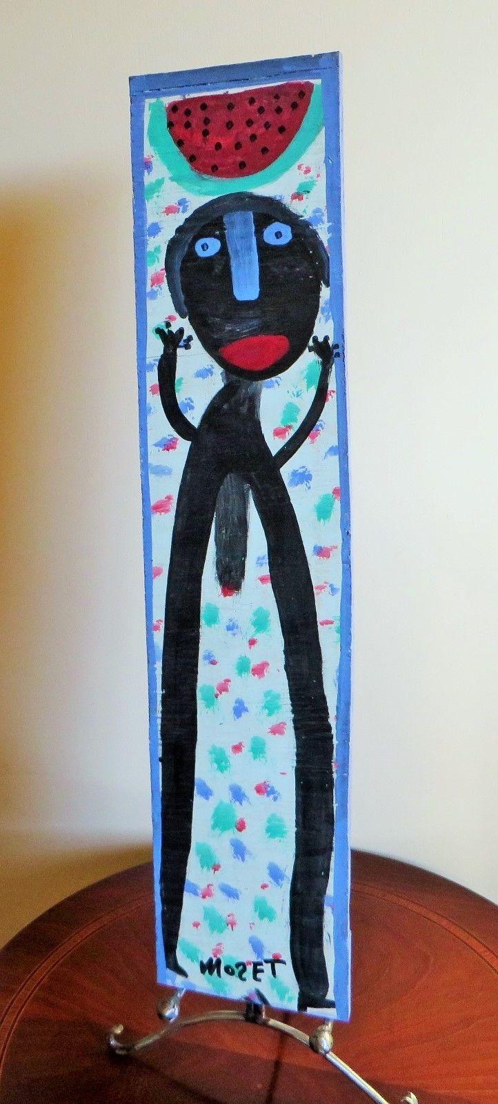 Der Afroamerikaner Mose Tolliver, 1924 (?)-2006, aus Alabama, begann nach einem schweren Unfall, der seine Beine zertrümmerte und ihn für den Rest seines Lebens arbeitsunfähig machte, als Autodidakt an zu malen. Er blieb zeitlebens behindert. seine Selbstbildnisse zeigen ihn mit Krücken.