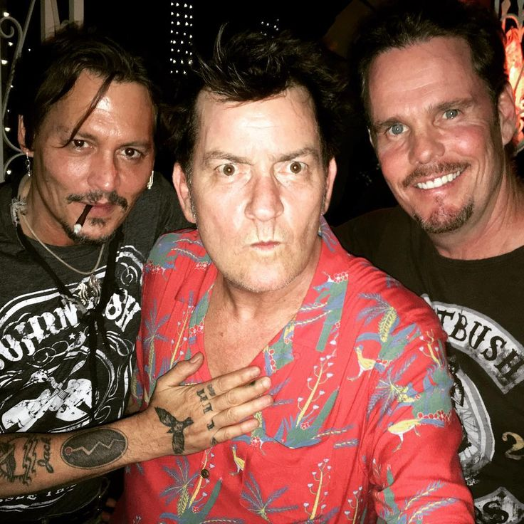 'Platoon' stars Johnny Depp Charlie Sheen and Kevin Dillon reunite