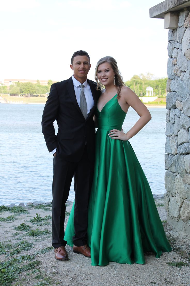 emerald green prom dress