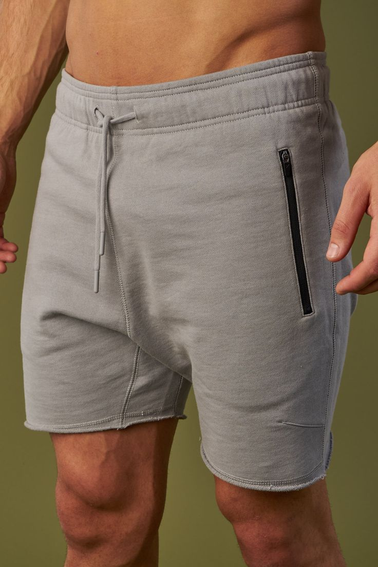 Elasticated waistband and adjustable drawcord of the Raw Shorts offer the perfect fit, whilst topstitch dart shaping creates a flattering, lasting shape. Coming soon in Platinum.