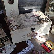 Купить или заказать Чайный домик Французский Сад декупаж в интернет-магазине на Ярмарке Мастеров. Чайный домик 'Французский сад' будет чудесным украшением Вашей кухни. И прекрасным образом дополнит другие предметы из коллекции Винтаж. Французский сад. Чайный домик деревянный, декорирован в технике декупаж в винтажном стиле. На всех сторонах чайного домика объемный рисунок стуктурной пастой, выполнено деликатное старение. Внутри домик ничем не обработан. Все работы из коллекции Винтаж....
