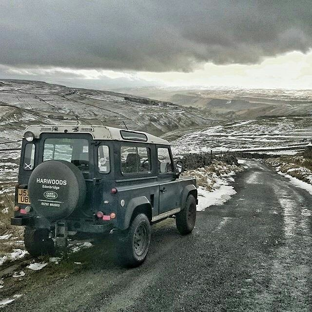 Superb scenery. By @the_rover_ranger #landrover #defender90 #landroverdefender #landroverphotoalbum