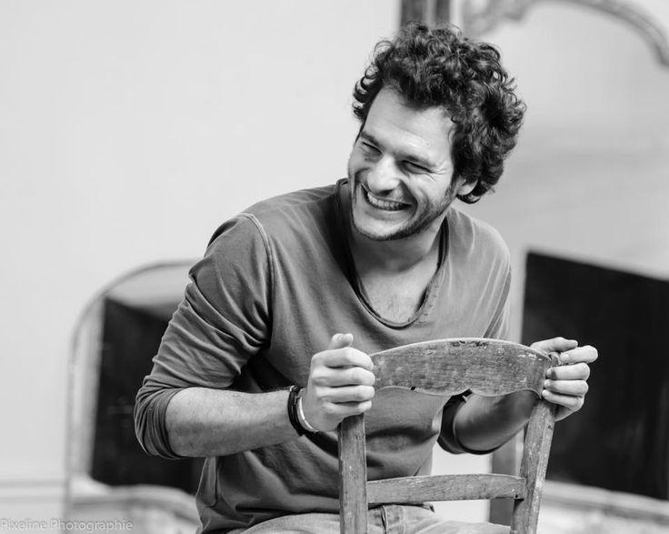 """L'ancien chouchou de Jenifer dans """"The Voice"""", le beau Amir Haddad, a accepté de répondre à nos questions. Il nous a dévoilé ses petites préférences !"""