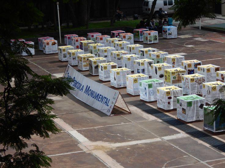 Visita de la Tabla Periódica Monumental de la Sociedad Química de México en la Facultad de Química UNAM. Hasta el 19 de Agosto.