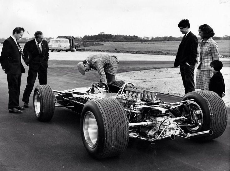 Maurice Philippe and Colin Chapman, first F1 car powered by new F1 legend Cosworth DFV.