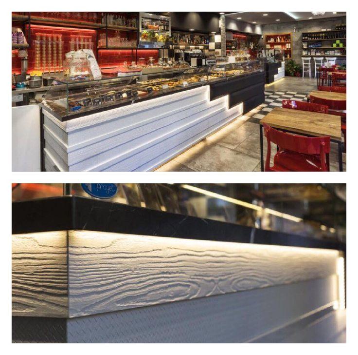 Arredamento locale con superfici pannelli dalla collezione Texture ( Italian Plank e Atelier)