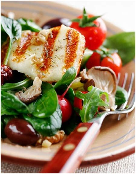 That looks too good to be healthy! Benissimo Mediterranean Garlic oil adds tons of flavor and fits into the Mediterranean-style diet.