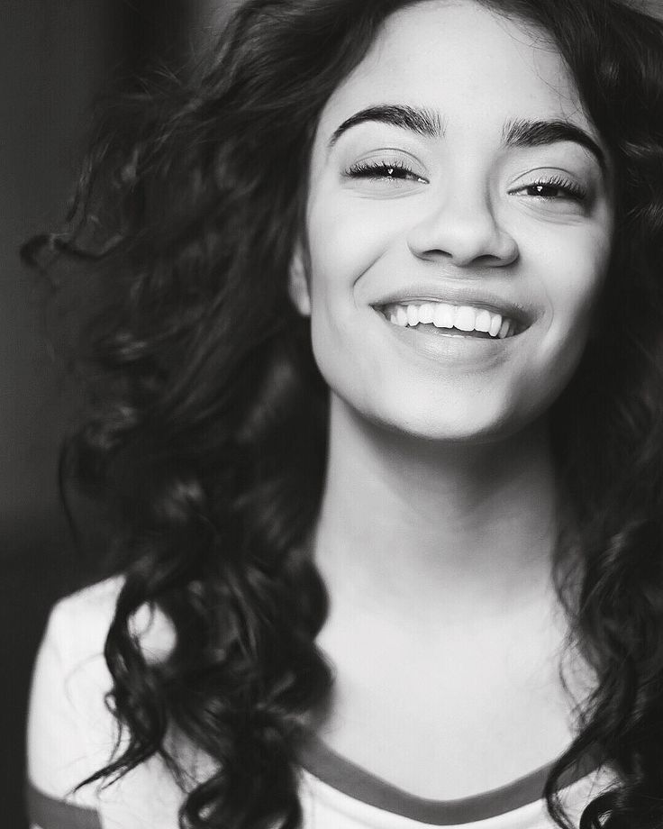 Black and white portrait | smile | curly hair | Beautiful