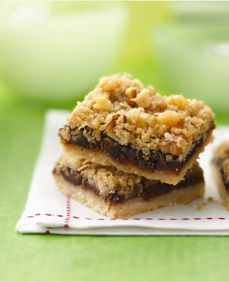 Why buy when you can DIY? These scratch-made fig bars feature a toothsome topping of oats, walnuts and brown sugar and a filling of Mission figs. Nostalgia lovers take note: Betty members claim these bars are akin to the '50s classic, Date Nut Bars!