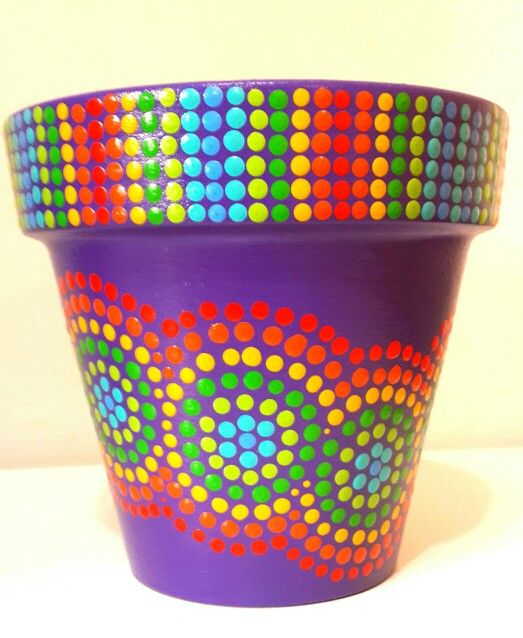 Violet rainbow. Colorfull hand painted flowerpots. Macetas pintadas a mano. Facebook: A'cha Pots. achapots@hotmail.com