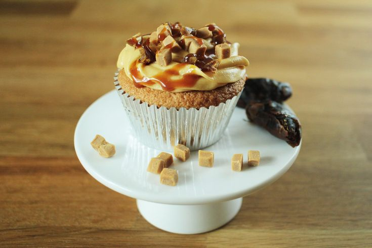 One of the all-time great puddings in cupcake form. As delicious and sticky as the name implies!
