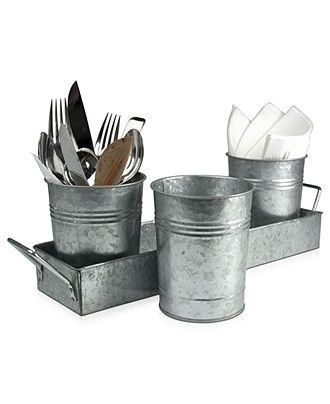 Add this galvanized picnic caddy set to your list of lobster bake essentials