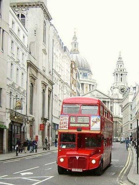 Bus anglais quartier de saint paul  , Londres, Bus anglais, quartier de Saint Paul à Londres, Angleterre, Europe