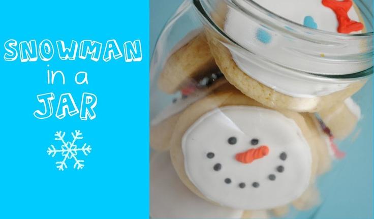 Build-a-Snowman Cookies in a Jar bysomethingswanky #Cookies #Jar #Snowman