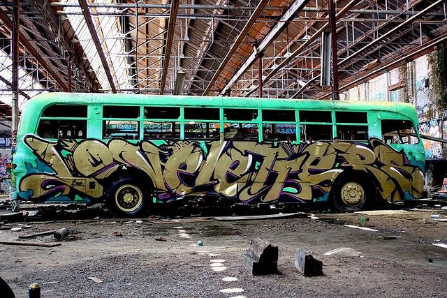 Love this. LOVE graffiti
