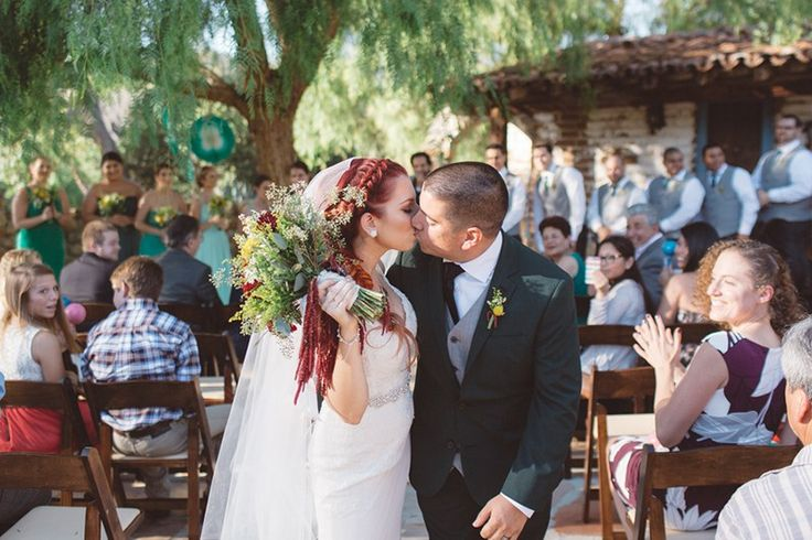 Books and maracas: this colorful ranch wedding WINS
