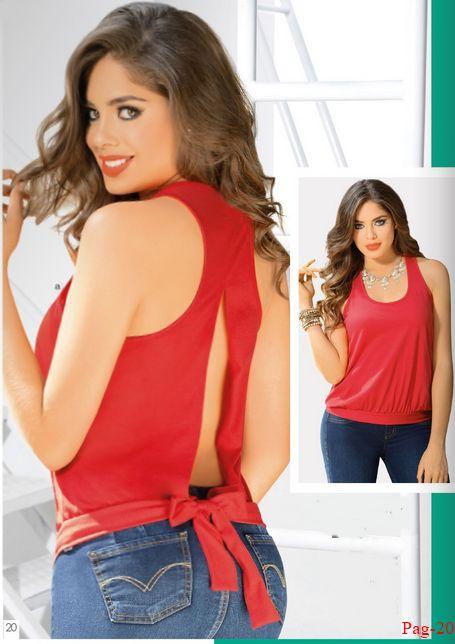 Blusa roja con sexy escote en la espalda. Moda para el verano