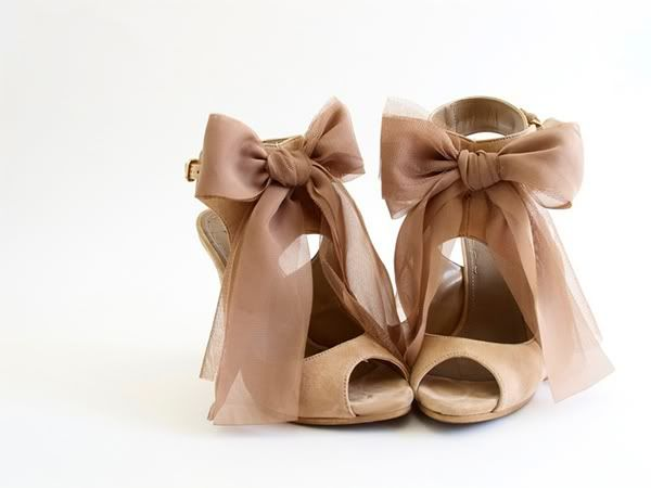 loveRibbons Bows, Nude Shoes, Fashion Shoes, Wedding Shoes, Girls Fashion, Heels, Girls Shoes, Bridal Style, Bows Shoes