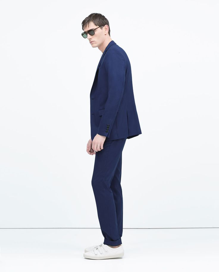 Image 1 de COSTUME BLEU ROI CLASSIQUE de Zara