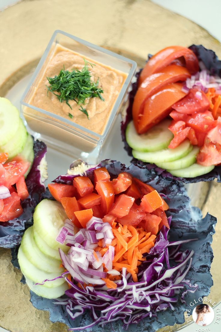 The Global Girl Raw Vegan Recipes: Vegan Tacos with Smoky Chipotle Hummus. This recipe is 100% raw, dairy free, gluten free, oil free, nut free and does not use beans at all!