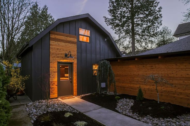 Entire home/apt in Portland, US. Our brand new guest cottage is a comfortable 700 sq feet. It has one deluxe bedroom with ensuite bathroom, a fully equipped kitchen, comfortable living quarters, w/d and private outdoor garden area. Located in the heart of Sellwood.