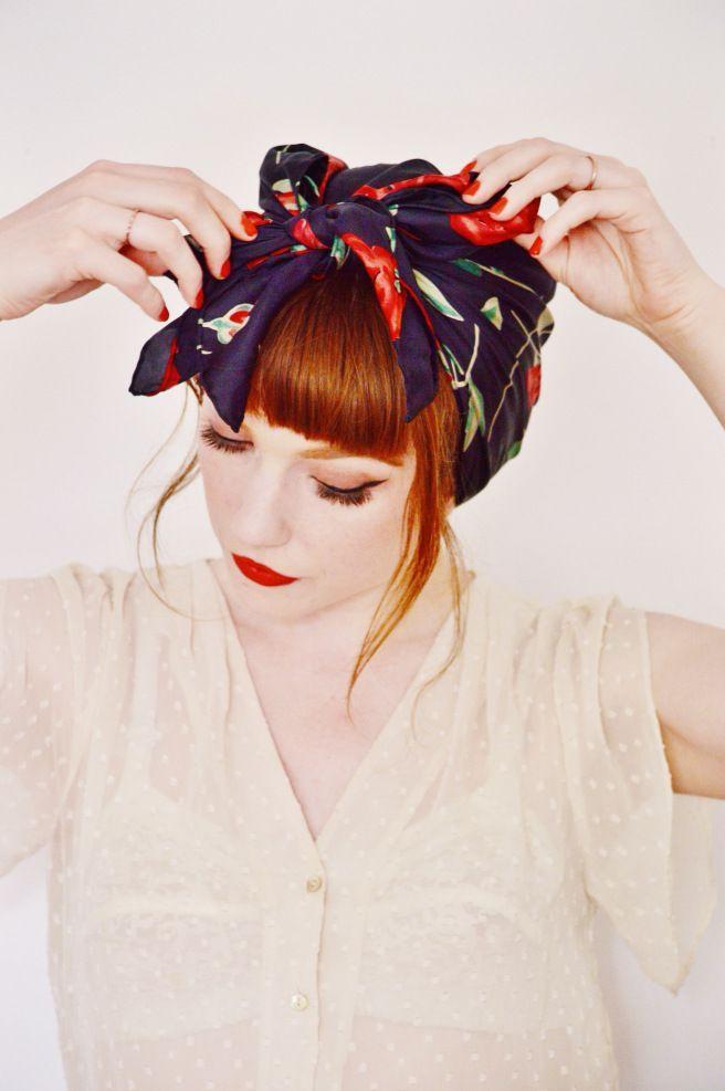 nouer foulard dans les cheveux