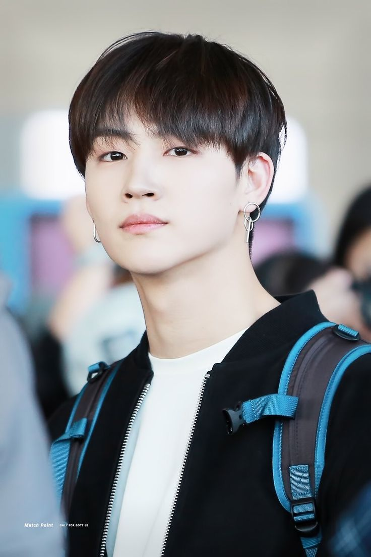 GOT7 JB | He attended Sewon High School, then took up Film major in Geonguk University.