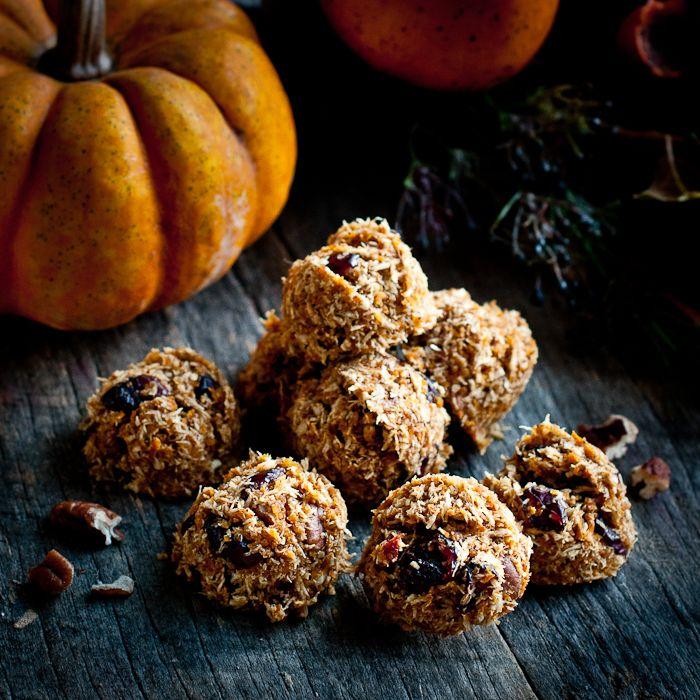 raw pumpkin spice cookies