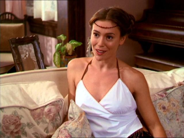 Charmed Phoebe Halliwell Style Fashion Outfit Hairstyle