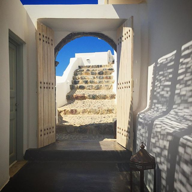 The entrance to your private paradise! #AndronisExclusive #Santorini Photo credits: @rachdyde