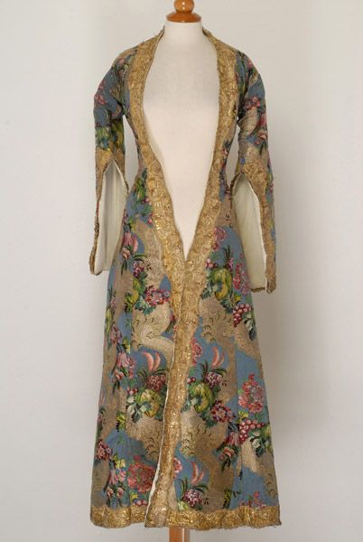 Garment , sleeved overcoat,  Island, town costume - Doulamas,applique     embellished,vegetal decoration :flowers, leafy scrolls, leaves,Aegean Islands, Cyclades, Sifnos
