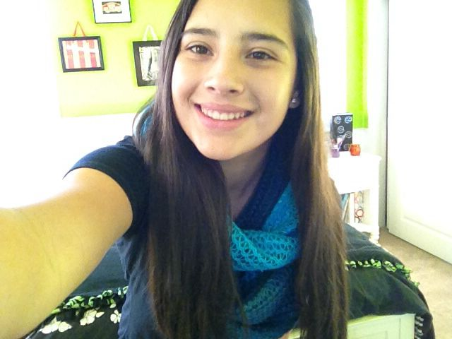I love this scarf:)
