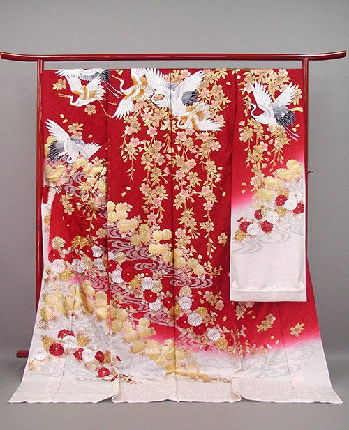 Uchikake, the Another Wedding Kimono of Japan