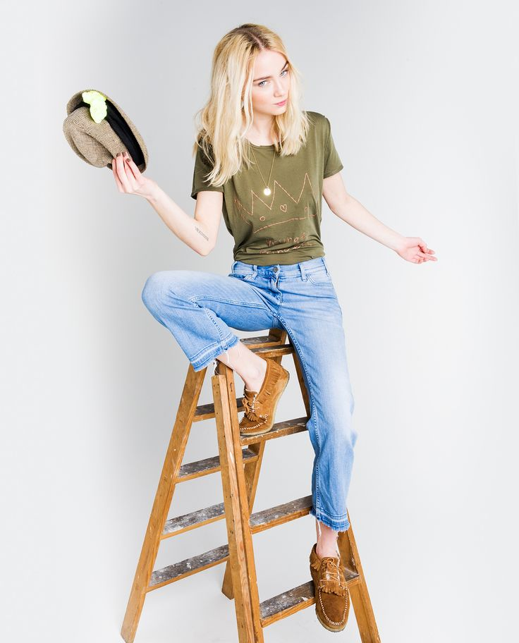 http://www.thehiptee.com/es/mujer/885-marissa-basic-tee-reverse-c-military-green.html