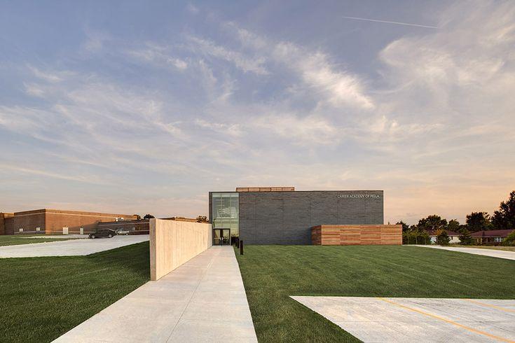 Career Academy of Pella / Neumann Monson Architects  https://www.archdaily.com/884349/career-academy-of-pella-neumann-monson-architects