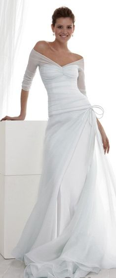 Not sure if this is a wedding gown ... if so, picture it in another colour as an evening dress, lovely!
