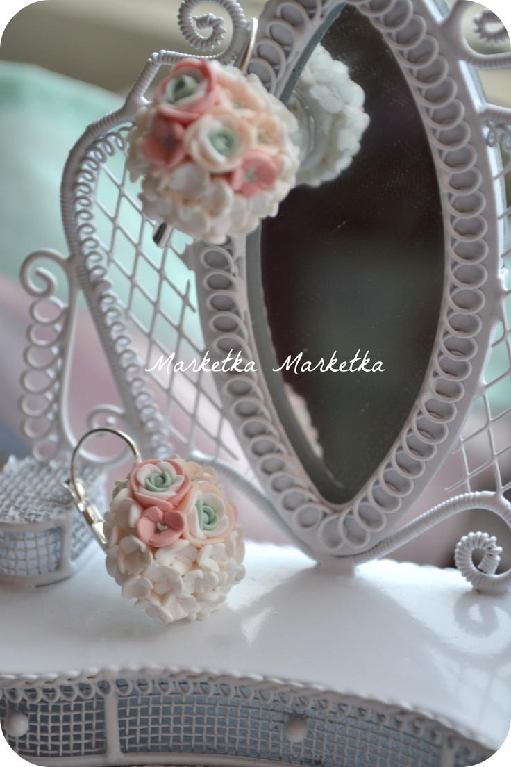 tothefashion.blogspot.com   Bloom earrings