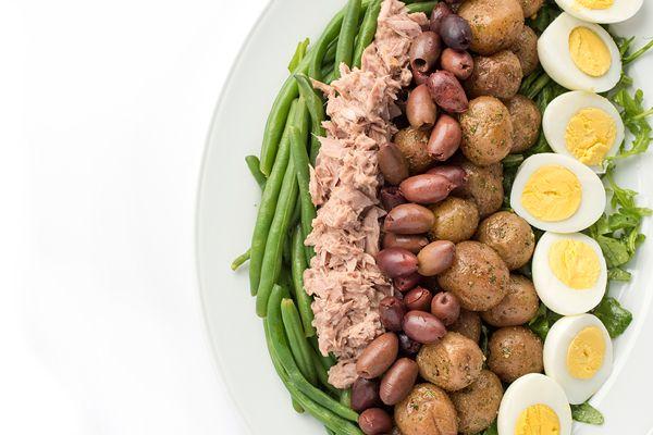 Tuna Nicoise Salad with Avocado Green Goddess Dressing - The Lemon Bowl