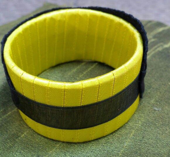 amarello cuero animals