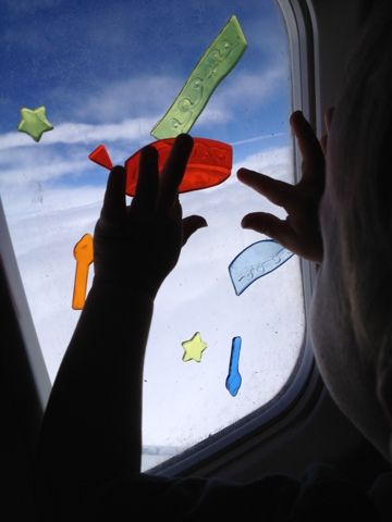 Activities to keep kids busy (and quiet) on the airplane.