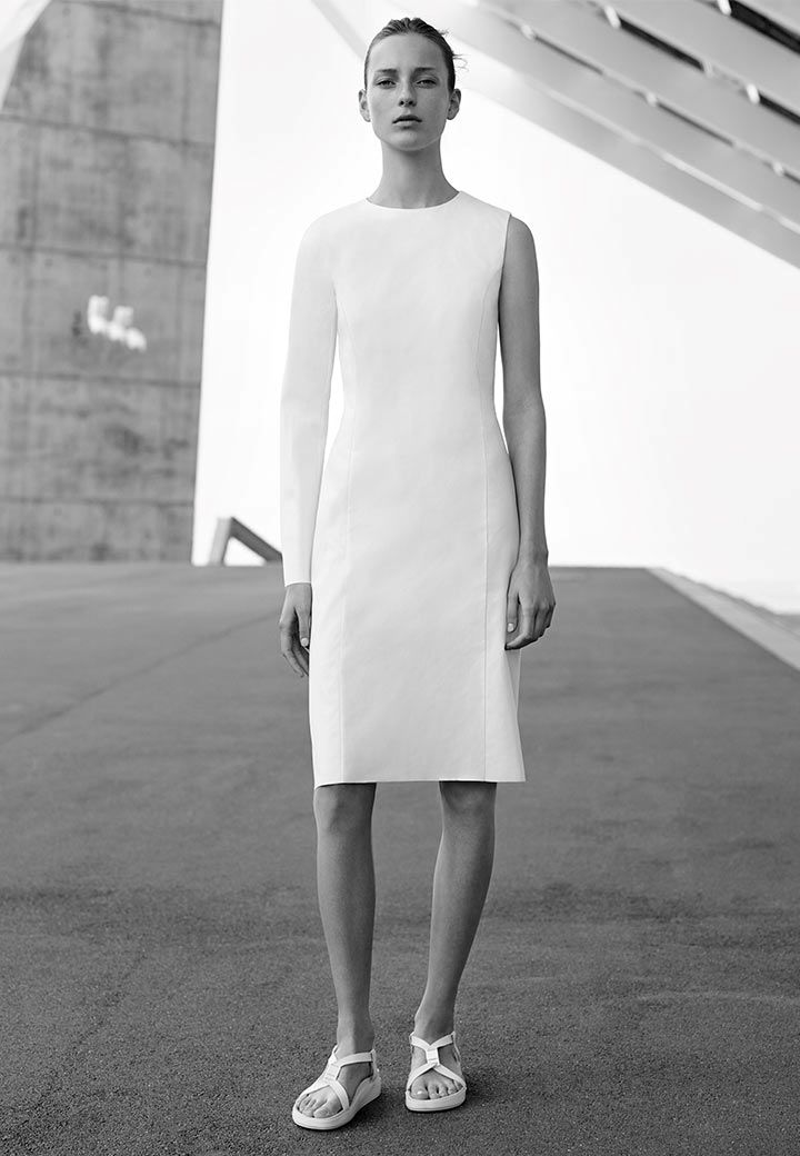 http://www.cosstores.com/de/Fashion/Campaign?utm_source=Facebook