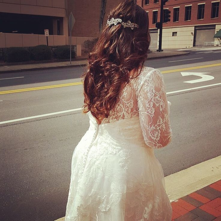 #wedding #dream #bridal hair #curls #outdoor #white #lace #lacedress #back #flawless