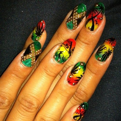 naominailsnyc:  Rastafarian #nail #nailart (Taken with Instagram)  fresh from yarrrd