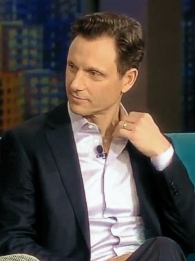 "Tony Goldwyn... OMG in Kerry Washington's ""who am I"" answer town/city I would be... Wellington, New Zealand!!!"