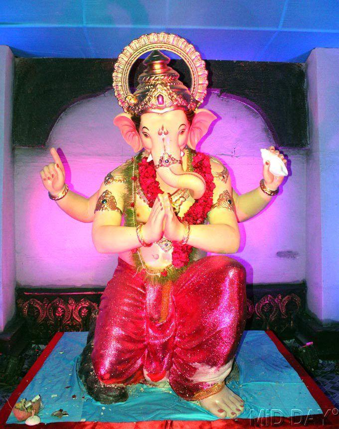 Sarvajanik Ganesh Utsav Mandal, Gaothan Lane, Santacruz (W). #Mumbai #Hindu #Festival #India #Maharashtra