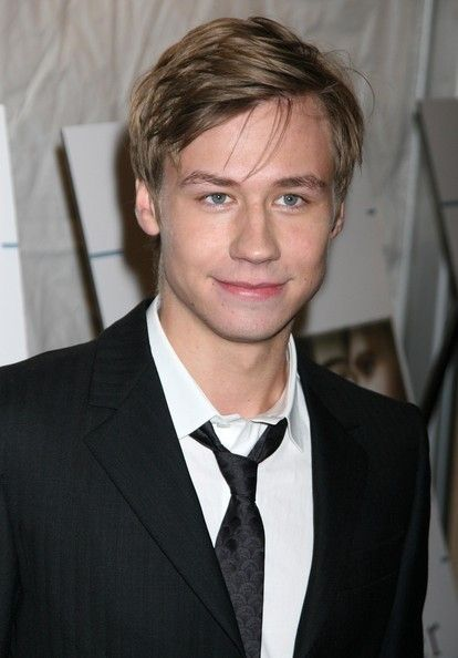 DAVID KROSS. german actor, cutest thing EVER. lovelovelovee
