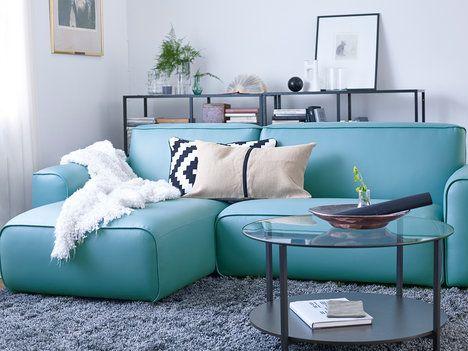 tyrkysov dvoum stn pohovka s leno kou dagarn m potah z l tky kter vypad jako prav k e. Black Bedroom Furniture Sets. Home Design Ideas