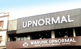 Warunk Upnormal Makassar, Makanan Enak Di Makassar http://anekatempatkuliner.blogspot.co.id/2016/12/makanan-enak-di-makassar-yang-wajib.html